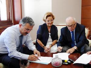 Oğuz çifti, Ereğli'ye ikinci okullarını yapmak için protokol imzaladı