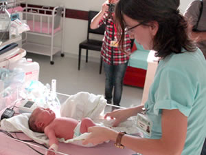 Devlet Hastanesi'nde Yeni Doğan Yoğun Bakım açıldı