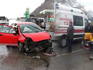 Ereğli-Alaplı Yolu'nda kaza: 3 kişi yaralandı