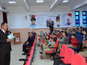 Belediye'nin düzenlediği çevre konulu toplantıya Uysal da katıldı