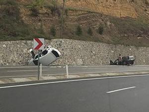 İki otomobilin çarpıştığı kazada iki kişi yaralandı