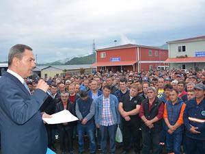 Uysal, Belediye işçilerine uygulanacak ücret artışı ve sosyal hakları açıkladı