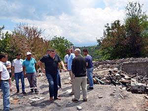 Evi yanan aileye Alaplı Belediyesi destek oluyor