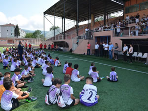 Ereğli Belediyespor Yaz Futbol Okulu'nda sertifika töreni