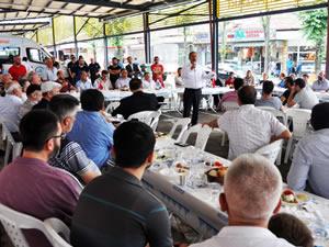 Uysal, Pazaryeri esnafı ile kahvaltılı toplantı yaptı