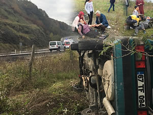 Kontrolden çıkarak takla atan otomobildeki 4 kişi yaralandı