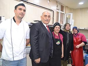 AK Partili Belediye Başkan Adayı Şahin, esnaf ziyaretlerine devam ediyor