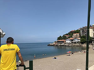 Kapuz Plajı halkın hizmetine açıldı