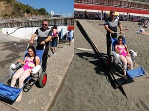 Belediye Plajı'na engelli rampası yapıldı