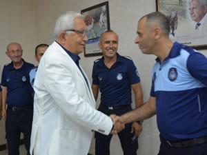 Posbıyık, Belediye personeli ve konuklarıyla bayramlaştı