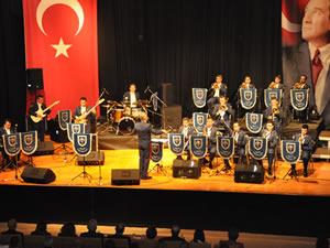 Cazın Kartalları Karadeniz Ereğli'de konser verdi