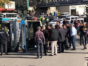 Yolcu minibüsü devrildi: 1'i çocuk 9 kişi yaralandı