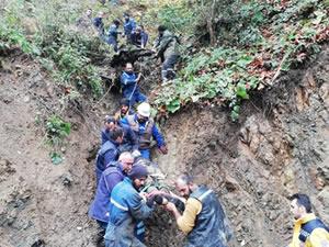 Uçurumdan yuvarlanan traktörün sürücüsü yaşamını yitirdi