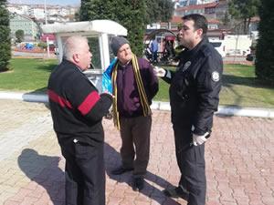 Polis ekipleri 65 yaş üstü yurttaşları evlerine dönmeleri için uyardı