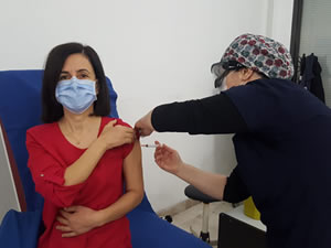 BEÜ Uygulama ve Araştırma Hastanesi'nde aşı uygulaması başladı